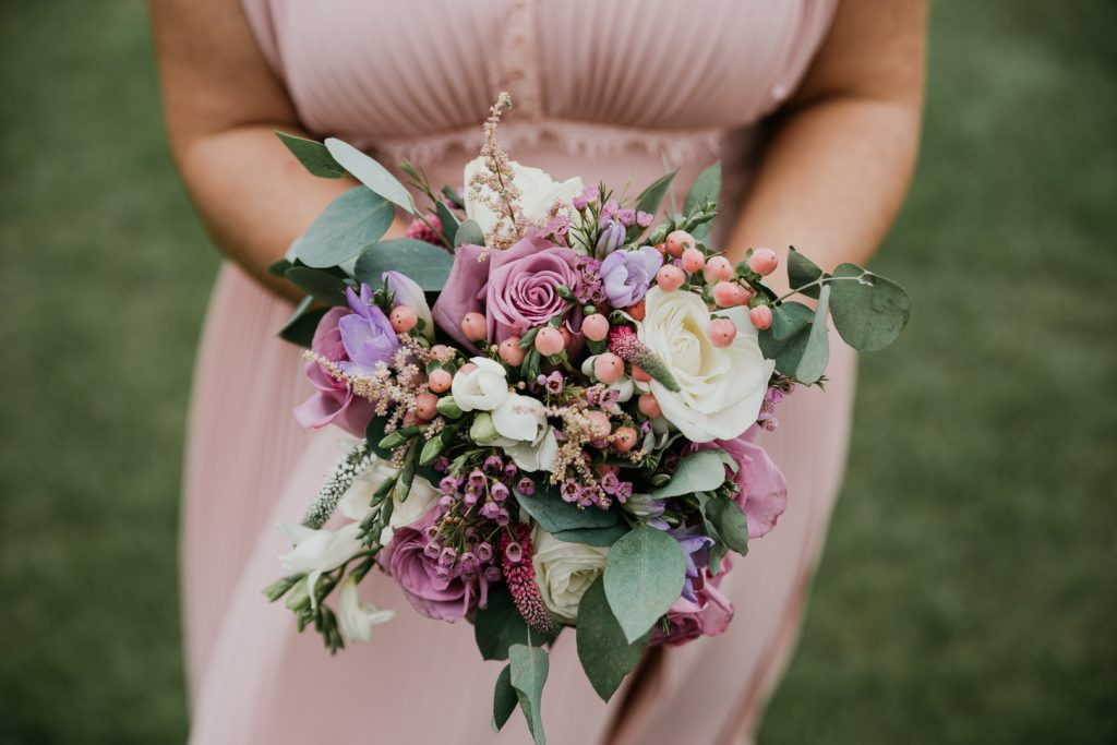 Wedding bouquet. how to choose what size for oyur wedding